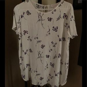 Women's New White Top Size M
